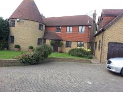 Detached House To Let  Rochester Kent ME3