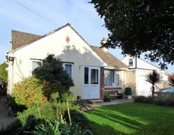 Detached Bungalow For Sale  Paignton Devon TQ3