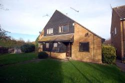Terraced House To Let  Shoeburyness, Essex Essex SS3