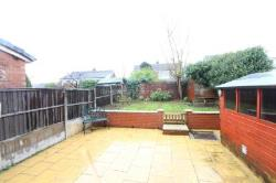 Semi Detached House To Let  Oldham Greater Manchester OL2