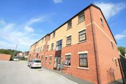Flat To Let  Rochdale Greater Manchester OL12