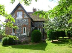 Semi Detached House To Let  Nr. Alresford Hampshire SO24