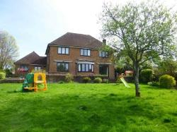 Detached House To Let  Alresford Hampshire SO24