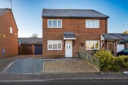 Semi Detached House To Let  Milton Keynes Buckinghamshire MK8