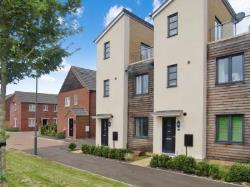 End Terrace House To Let  Milton Keynes Buckinghamshire MK14