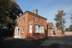 Flat To Let  Henley On Thames Berkshire RG9