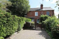 Terraced House For Sale  Reading Berkshire RG8