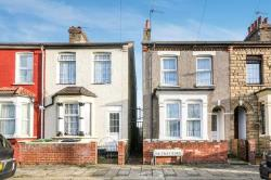 Terraced House To Let  Waltham Cross Hertfordshire EN8