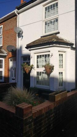 Terraced House To Let  High Wycombe Buckinghamshire HP11