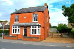Detached House To Let  Milton Keynes Northamptonshire MK19
