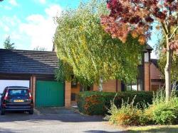 Detached House For Sale  Milton Keynes Buckinghamshire MK15