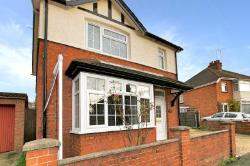 Detached House For Sale  Milton Keynes Buckinghamshire MK2
