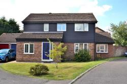 Detached House For Sale  Newport Pagnell Buckinghamshire MK16