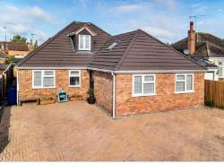 Detached Bungalow For Sale  Milton Keynes Northamptonshire MK19