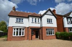 Detached House To Let  Newport Pagnell Buckinghamshire MK16
