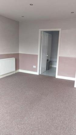 Flat To Let  Glasgow Lanarkshire G33