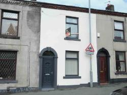 Terraced House To Let  Oldham Greater Manchester OL2