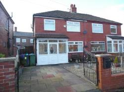 Semi Detached House To Let  Oldham Greater Manchester OL1