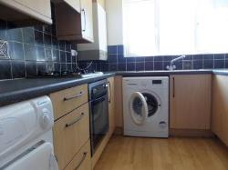 Flat To Let  Tadworth Surrey KT20