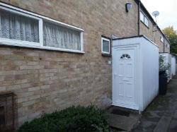 Terraced House To Let  Coulsdon Surrey CR5