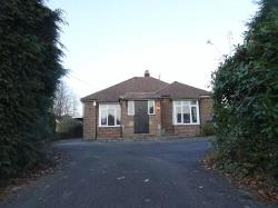 Detached Bungalow To Let  Crawley West Sussex RH10