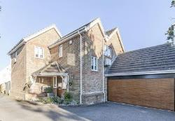 Detached House For Sale  CHEAM Surrey SM3