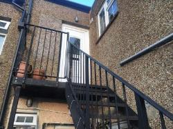 Flat To Let  Worcester Park Surrey KT4