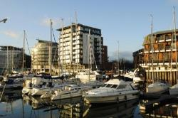 Flat For Sale Ocean Village Southampton Hampshire SO14