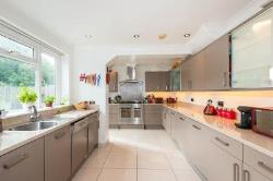 Detached House For Sale  Southampton Hampshire SO16