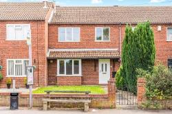 Semi Detached House To Let  Swadlincote Derbyshire DE11