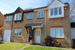 Semi Detached House To Let Walderslade Chatham Kent ME5