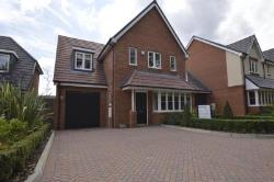 Detached House To Let South Way Abbots Langley Hertfordshire WD5