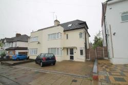 Semi Detached House To Let  Barnet Hertfordshire EN5