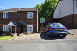 Semi Detached House To Let Downswood Maidstone Kent ME15