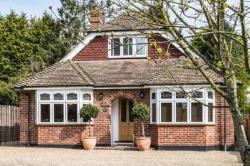 Detached Bungalow To Let Bearsted Maidstone Kent ME14
