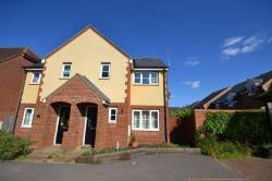 Semi Detached House To Let  Northampton Northamptonshire NN5