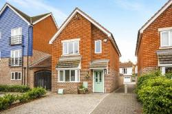 Detached House For Sale  Faversham Kent ME13
