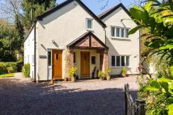 Detached House For Sale Kingsley Frodsham Cheshire WA6