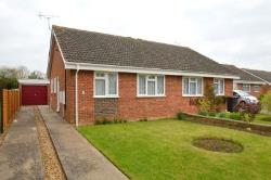 Semi - Detached Bungalow To Let Raunds Wellingborough Northamptonshire NN9