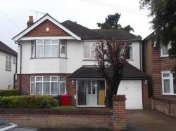 Detached House To Let Langley Slough Berkshire SL3