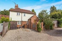 Semi Detached House To Let Yalding Maidstone Kent ME18