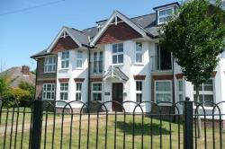 Flat To Let Paddock Wood Tonbridge Kent TN12