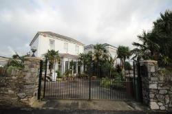 Detached House To Let Plymstock Plymouth Devon PL9