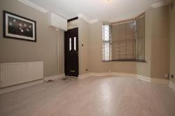 Semi Detached House To Let  Hornchurch Essex RM11
