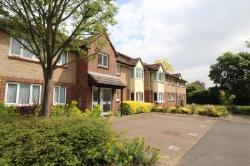 Flat To Let  Shepperton Surrey TW17
