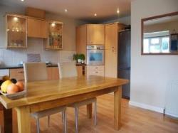 Semi Detached House To Let Lovedean Waterlooville Hampshire PO8