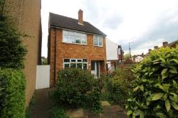 Detached House To Let  Watford Hertfordshire WD18