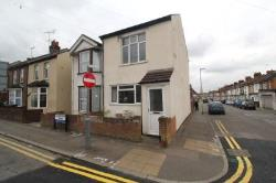 Semi Detached House To Let  Watford Hertfordshire WD18