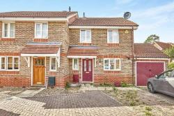 Semi Detached House To Let  London Greater London SE28