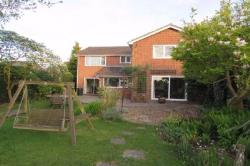 Detached House To Let Burghfield Common Reading Berkshire RG7